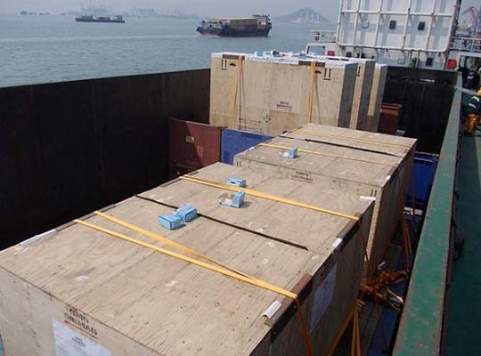 Direct transhipment from the vessel to the barge